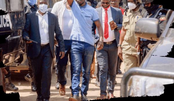 Scontri dopo l'arresto del rapper Bobi Wine: già 37 morti